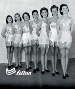 Foto vintage promozionale di reggicalze
